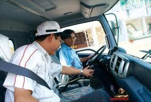Các lưu ý khi vận hành xe tải Hino an toàn hiệu quả trên đường