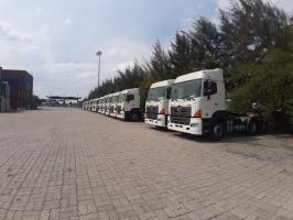 Hino đầu kéo SS2P nhập khẩu china