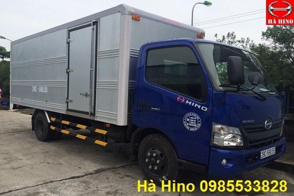 xe hino thùng kín 4,5 tấn