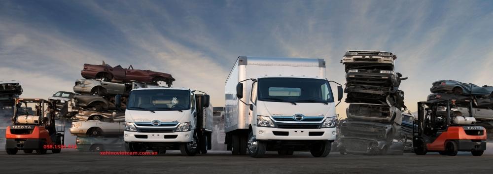 Hino-truck-2016